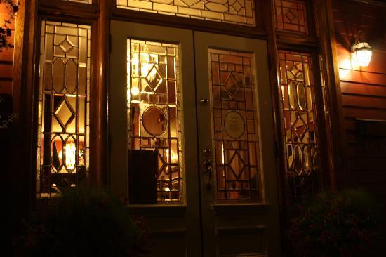 Antigonish Victorian Inn: Main Entrance