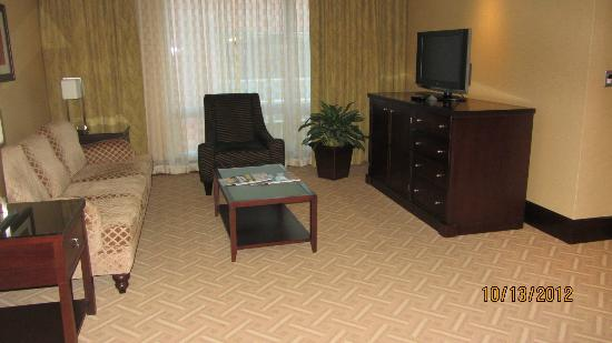 InterContinental Boston: livingroom of suite