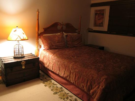 Winterberry Bed & Breakfast : Adirondack room