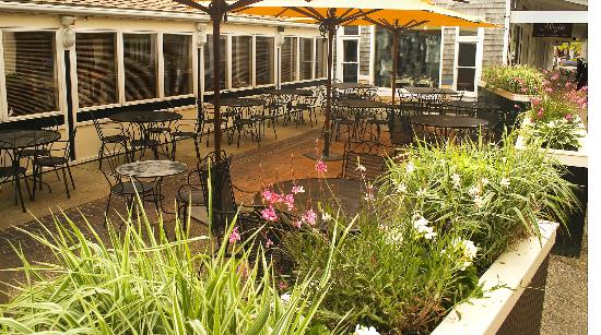 Bobby Byrne's Restaurant & Pub: Outdoor Cafe