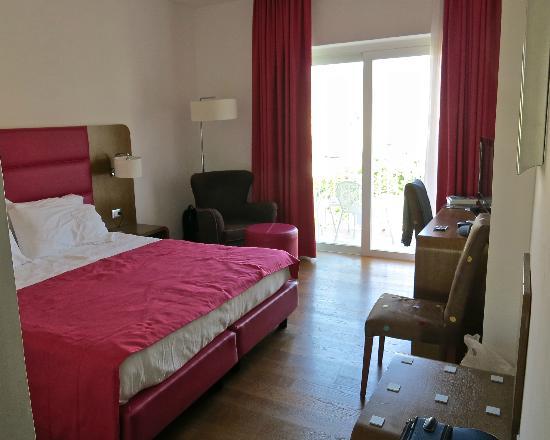 Hotel Plaza: Room 502