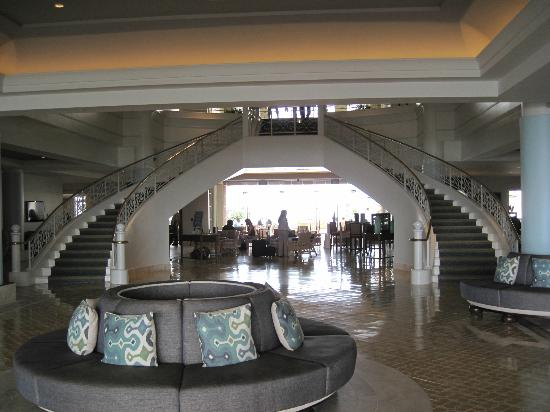 Loews Coronado Bay Resort: Lobby