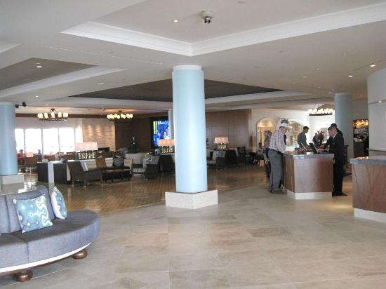 Loews Coronado Bay Resort: Lounge and check-in