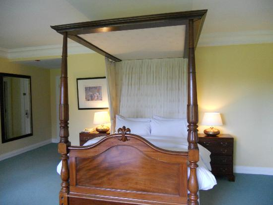 Dunraven Arms Hotel: our room