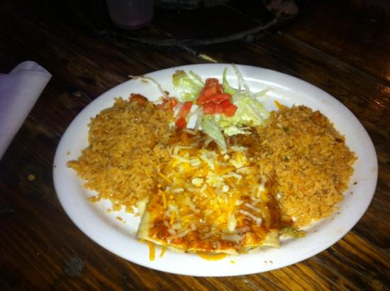 Parrot Eyes Restaurant Bar & Water Sports: cheese enchilado's yumo