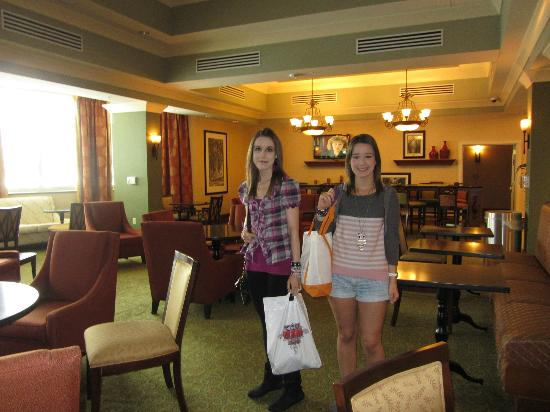 Hampton Inn & Suites Savannah/Midtown: The dinner room area, clean and comfortable
