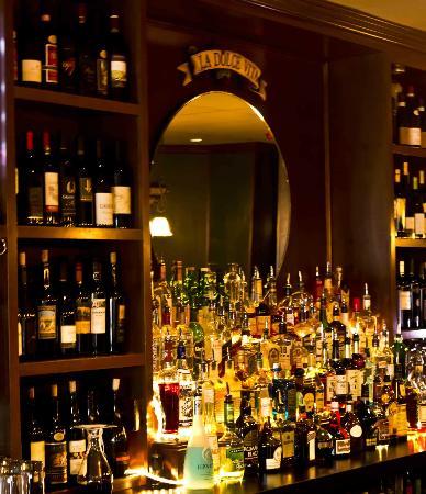 Wild Vine Bistro : Full Bar, Photo by Robert McAllister