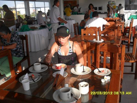Hotel Portofino: LA COMIDA ES DELICIOSA Y VARIADA