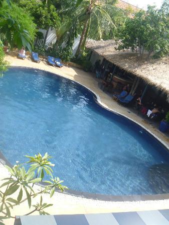 Billabong Hostel: Pool