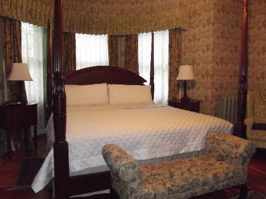Fairholm National Historic Inn: Florence Babe Rogers Suite