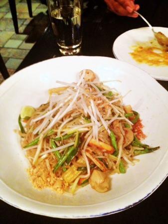 Thai Basil : Veggie Pad Thai