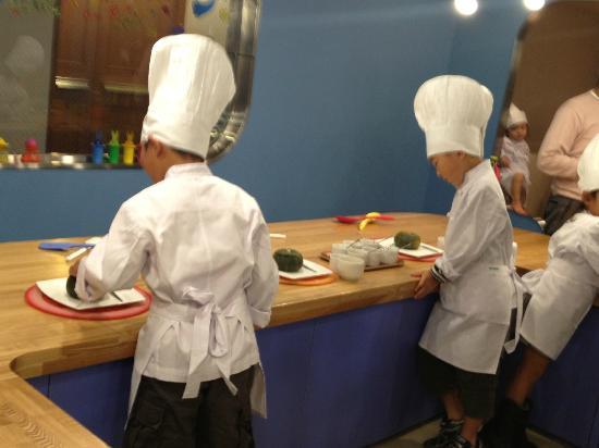 Hoshino Resorts RISONARE Atami: kids chef