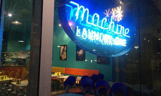 machine laundry cafe