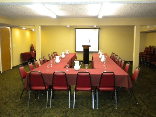 Southern Oaks Inn: Conference Room : Board Room Set Up
