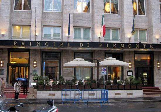 Hotel Principi di Piemonte: Hotel Entrance