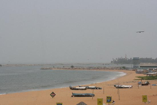 The Quilon Beach Hotel & Convention Centre: Room view