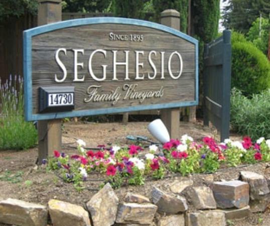 Seghesio Family Vineyards : Seghesio Vineyards entrance in Healdsburg, CA