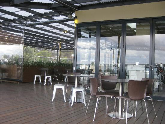 The Huskisson : Large outdoor areas