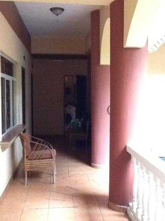 Hotel Domilocos: Hallway on first floor