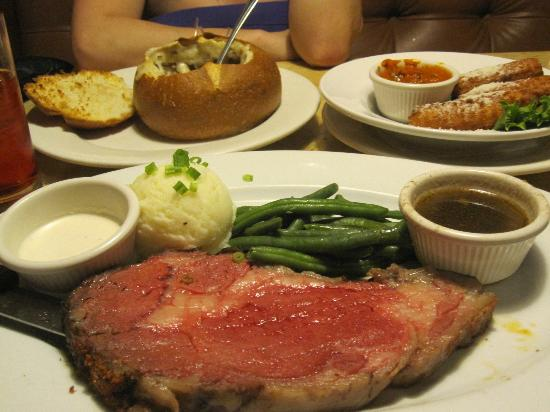 Hooters Casino Hotel: Mad Onion's $9.99 Prime Rib Dinner (I had 4 during my stay)