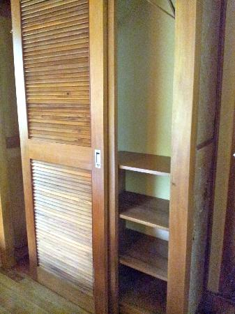 Koro Sun Resort and Rainforest Spa: Both of the closets, the doors would not slide so they stayed stuck in the middle.