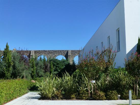 M'Ar De Ar Aqueduto: Les jardins et la vue sur l'aqueduc