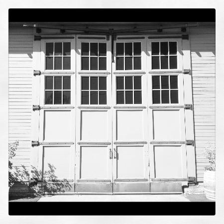 Canoe Ridge Vineyard: Engine House Doors