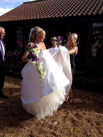 Little Willows: The bride leaves for her wedding