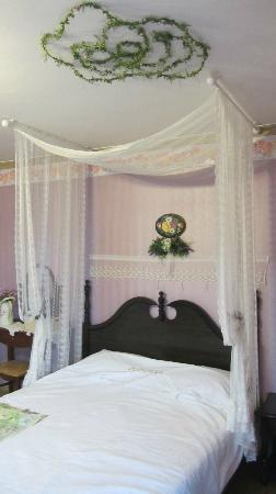 Lake Pension : Bedroom