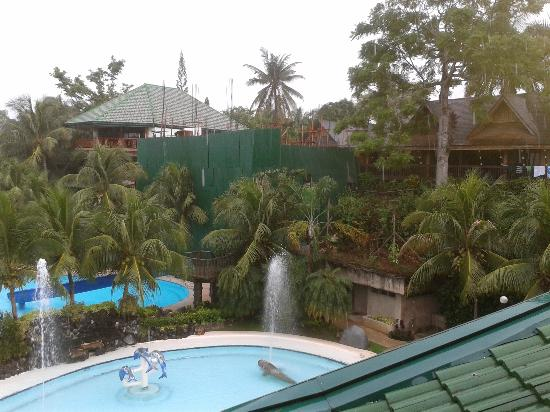 Bohol Tropics Resort: 2012 under construction