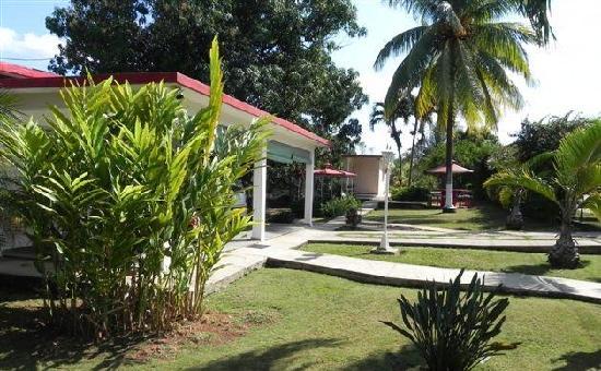 Hostal dona amalia havana cuba guesthouse reviews for Casas rusticas con jardin