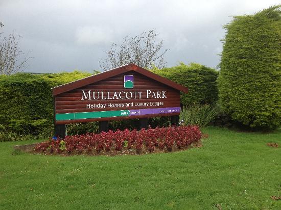 Mullacott Park: Entrance to park