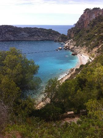 Playa La Granadella: Hard to find secret beauty