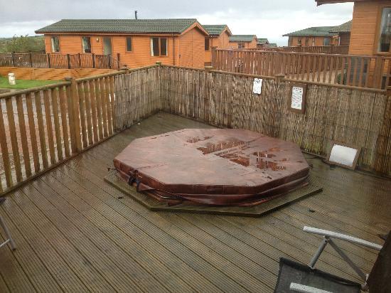 Mullacott Park: Hot tub