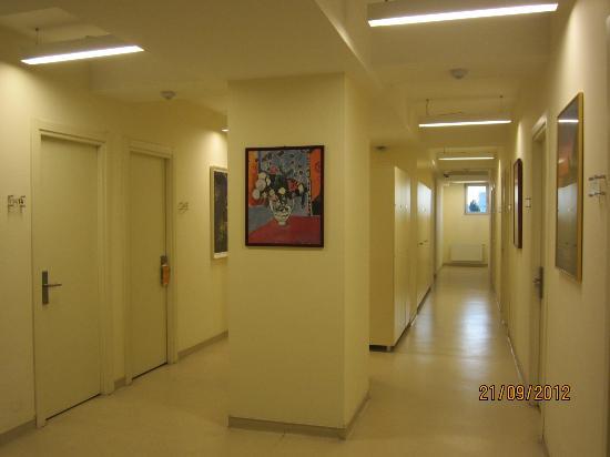 Han Hostel Airport North: The corridor