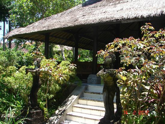 Hotel Santika Premiere Beach Resort Bali: cottage