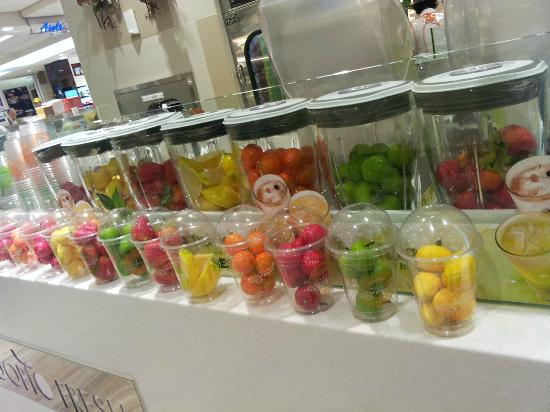 Food Court at Lotte Department Store Main: Fresh fruit juices
