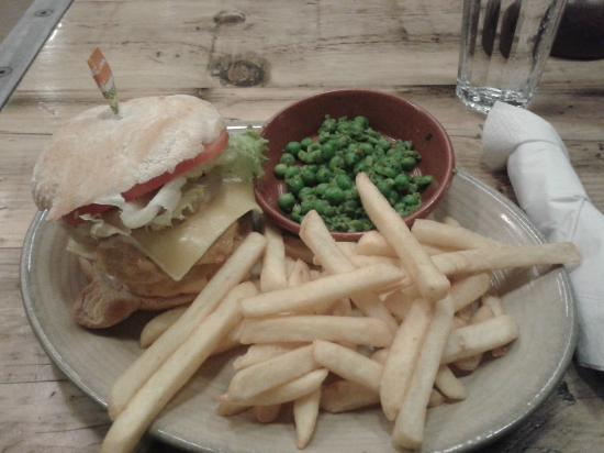 Nando's - Canary Wharf : Chicken Burger