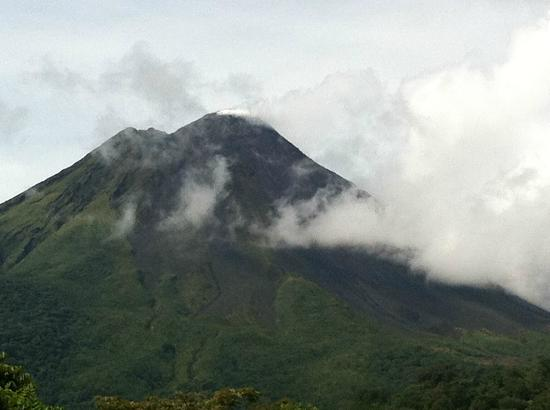Issimo Suites Boutique Hotel and Spa: Arenal Volcano
