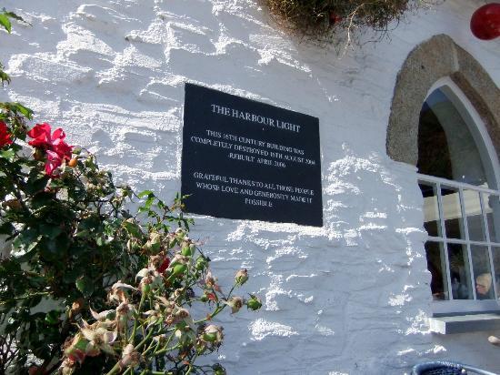 Harbour Light Tea Garden : memorial plaque