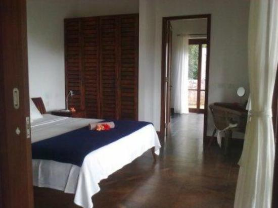Villas de Jardin: Sleeping room to bath room