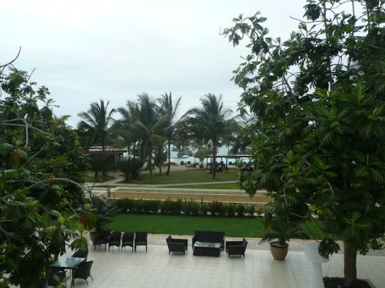 Melia Zanzibar: pool area