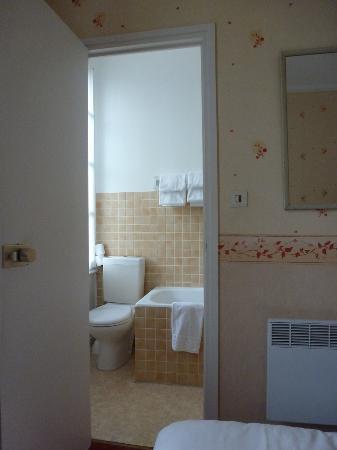 بيس تيراسيه بولارد: My bathroom