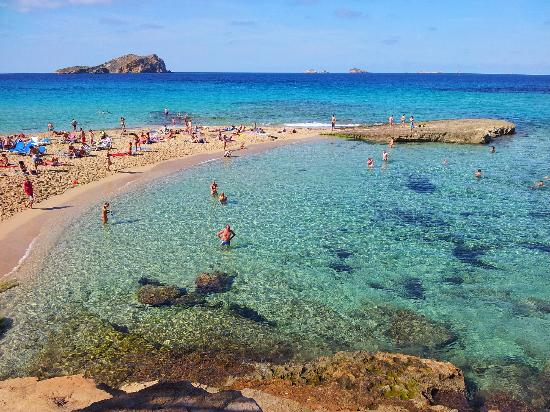 Cala Comte: Small but perfectly formed beach.