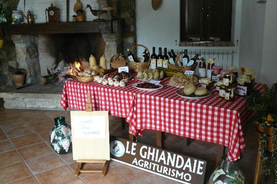 Piana di Monte Verna, Италия: prodotti