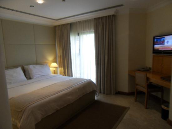 Dubai Marine Beach Resort and Spa: номер