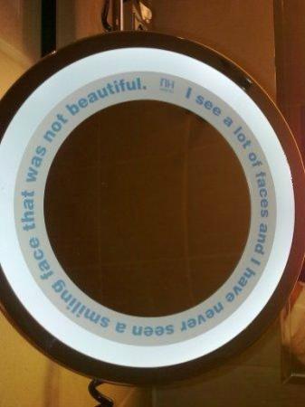 แอ็นฮาเคนท์เบลฟอร์ทโฮเต็ล: NH mirror