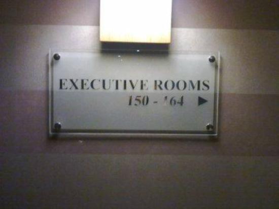 แอ็นฮาเคนท์เบลฟอร์ทโฮเต็ล: to Exective rooms