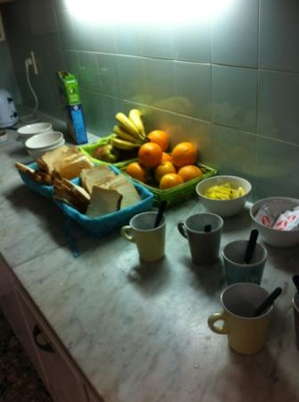 Sur Hostel: breakfast