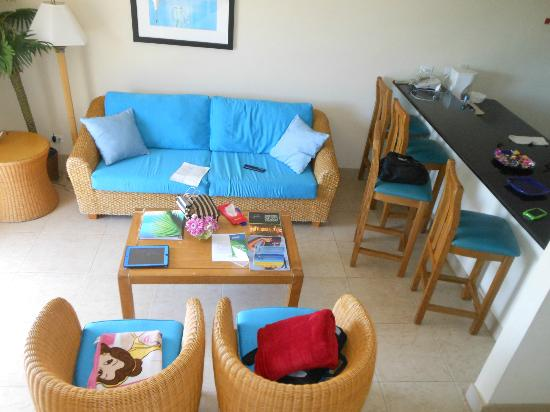 Divi Southwinds Beach Resort: living room
